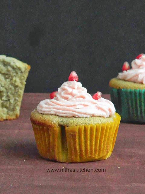 Pom Cupcakes1