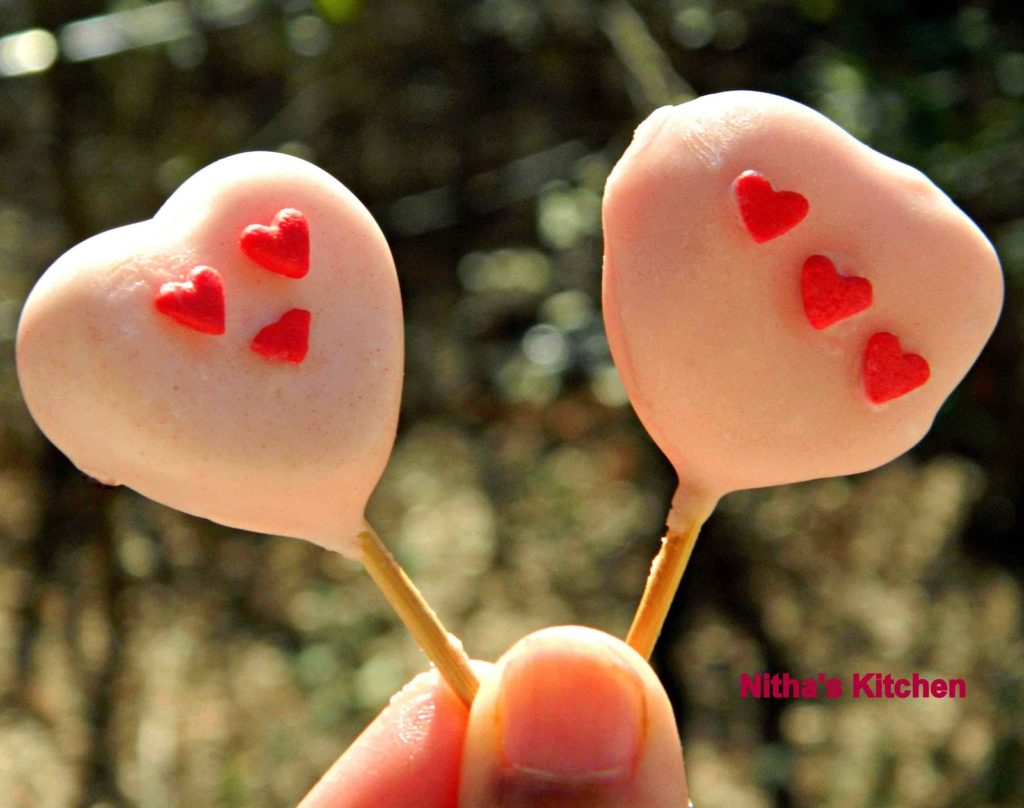 Valentine Cake Pops0