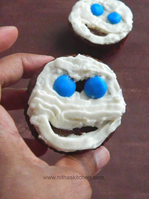 choc pumpkin cupcakes0