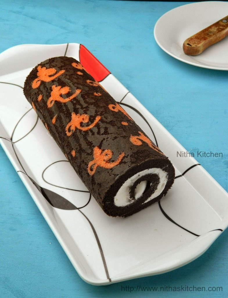 Ornamental Cake Roll With Whipped Cream Filling Recipe