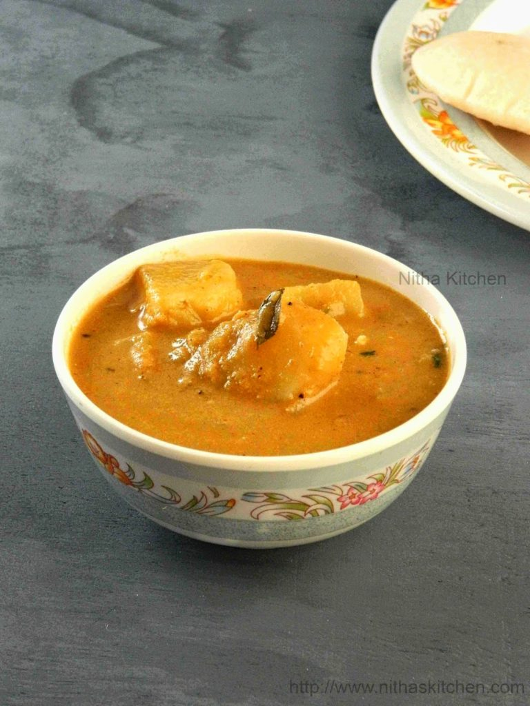 Potato Kurma Urulaikilangu Sambar for Idli and Dosa