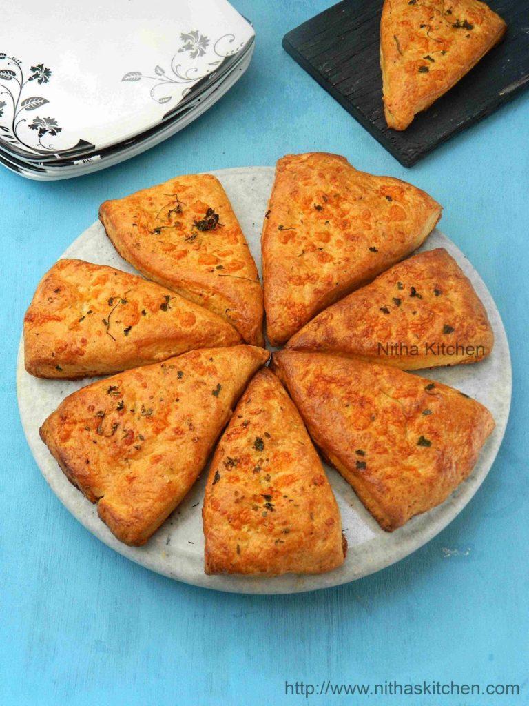 Cheese Scones L