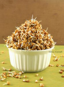 Kollu Sprouts | How to make Horse Gram Sprouts | முளை கட்டிய கொள்ளு | Homemade Sprouts