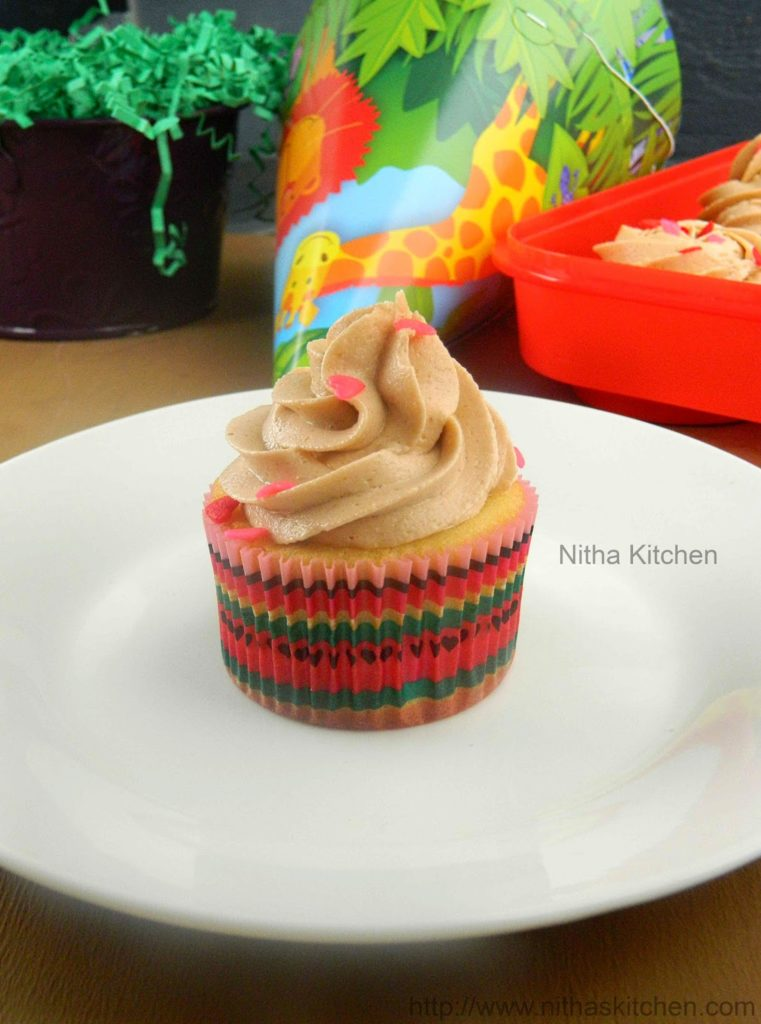 Butter Cream Cupcakes L