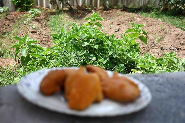 Ajwain Leaf Pakoras1 L