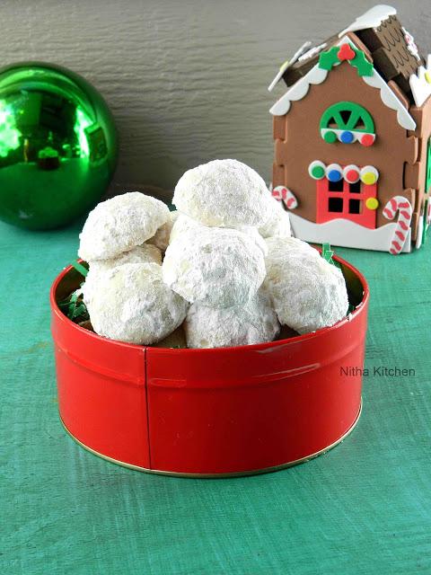 Snow ball cookies0 L