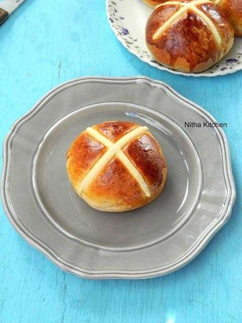 Hot Cross Buns1 L