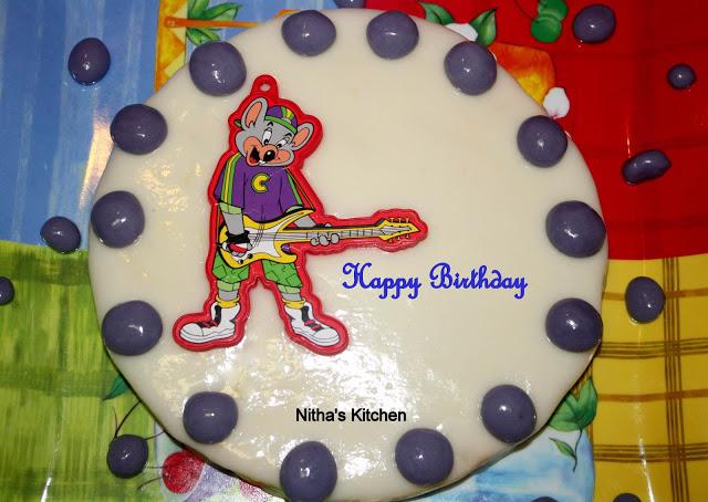 Basic Sponge Birthday Cake with My First Marshmallow Fondant