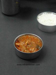 Chicken Vendakkaai Puli Kuzhambu | Tangy Chicken Okra Curry