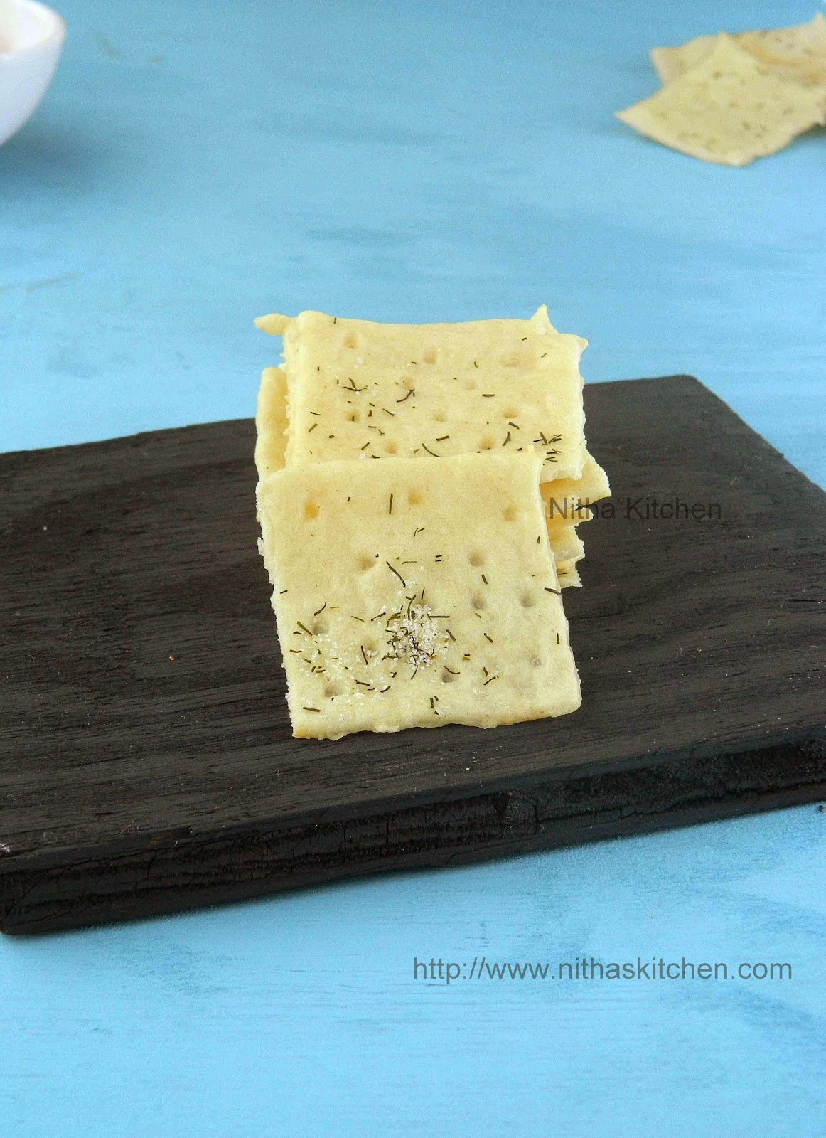 Homemade Saltine Crackers | Eggless Soda Crackers Recipe