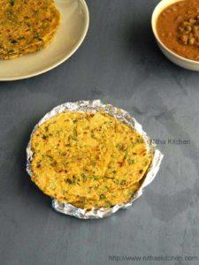 Makki Ki Roti | Corn Meal Flat Bread | Healthy Makki Di Chapathi | Spinach Paratha
