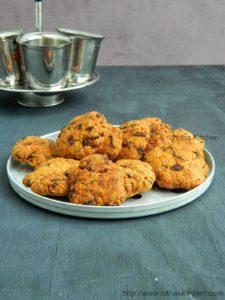 Coriander Spinach Mathri Recipe | Khasta Dhaniya Matthi | Savory Indian Tea Time Snack | Festival Special