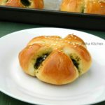Spinach Stuffed Bread1 L