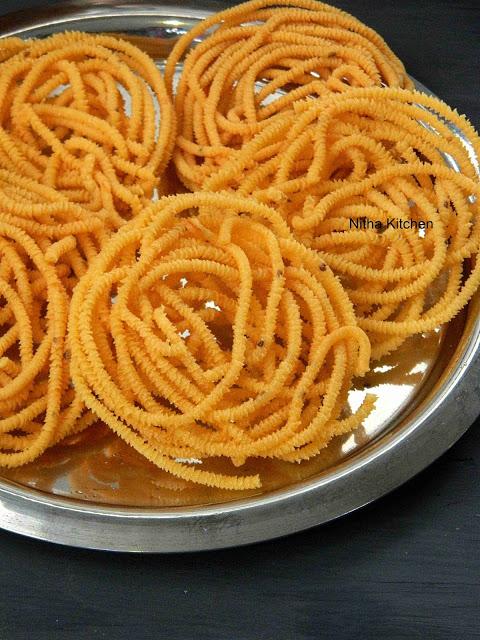 Pottukadalai Murukku Using Idli Rice Batter Salem Murukku Recipe