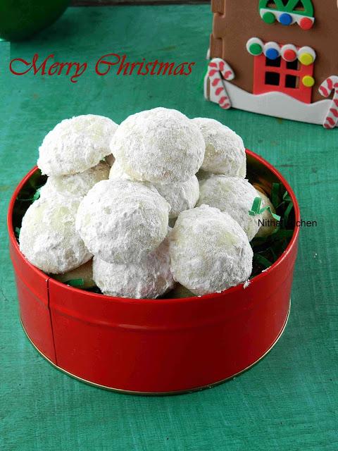 Snowball Cookies | Mexican Wedding Cookies Recipe