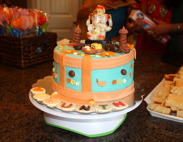 Ganesh Themed Vanilla Buttercream Cake | Eggless Sponge Cake Recipe