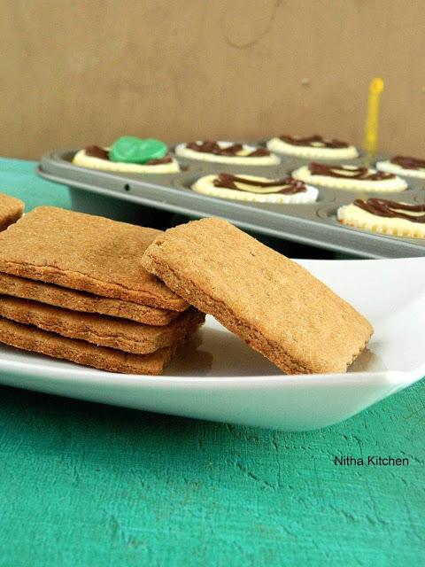Homemade Graham Crackers | Eggless Cinnamon Wheat Crackers