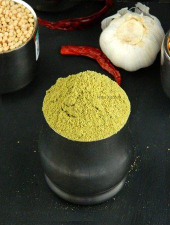Moringa and Curry Leaves Chutney Powder | Murunga Keerai Karuveppilai Idli Podi Recipe