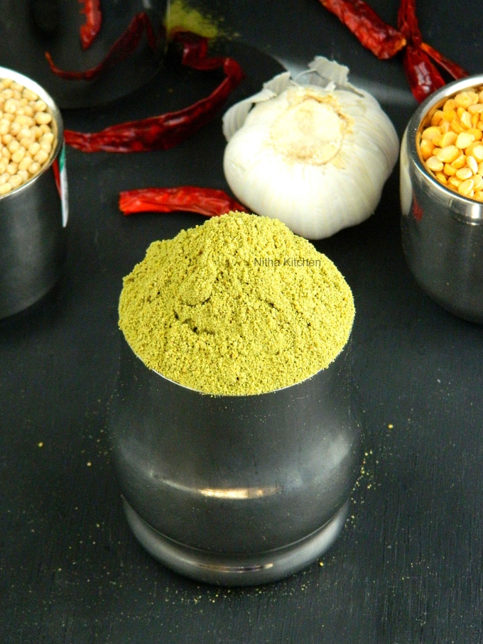 Moringa and Curry Leaves Chutney Powder | Murunga Keerai Karuveppilai Idli Podi Recipe