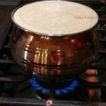 traditional karupatti pongal video recipe, கருப்பட்டி பொங்கல் காஸ் அடுப்பில் செய்வது எப்படி,