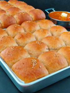 Eggless 100% Whole Wheat Dinner Rolls video recipe