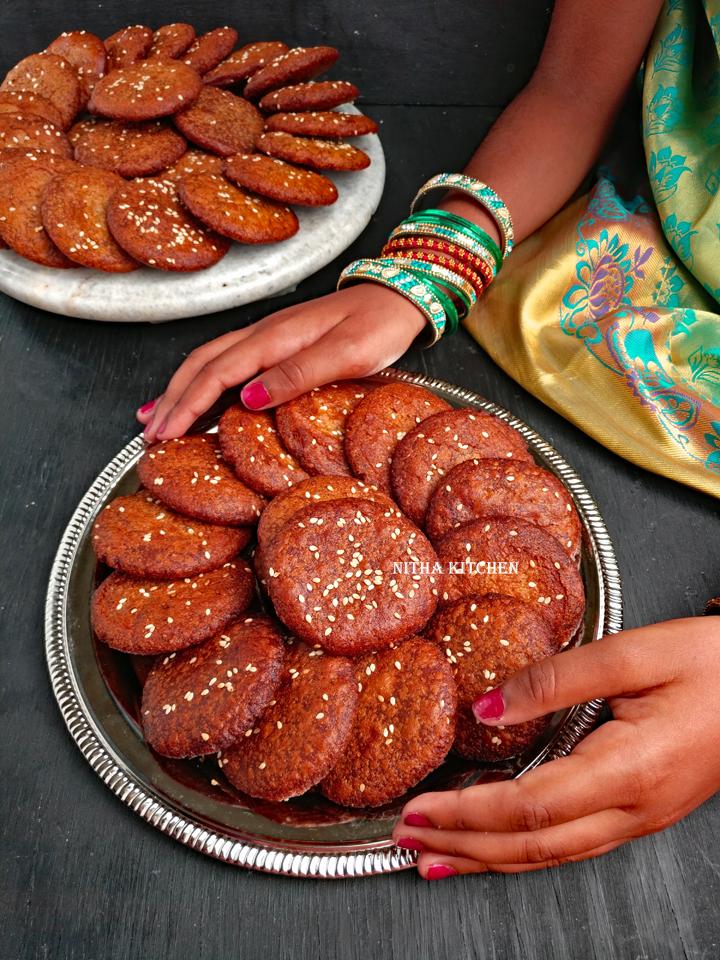 karupatti adhirasam using maavu arisi adhirasam arisi video recipe